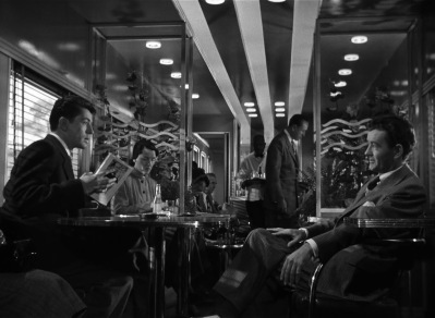 Strangers-on-a-Train-2-26-the-meeting-thefilmbook_170110_213255
